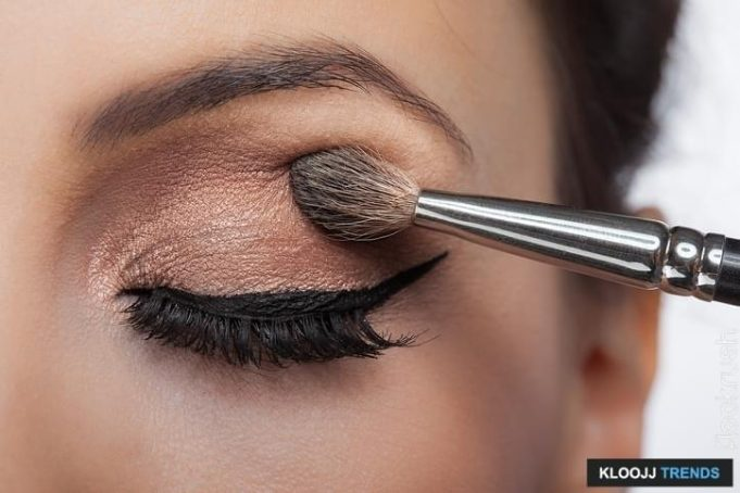 how to make eyeshadow look good