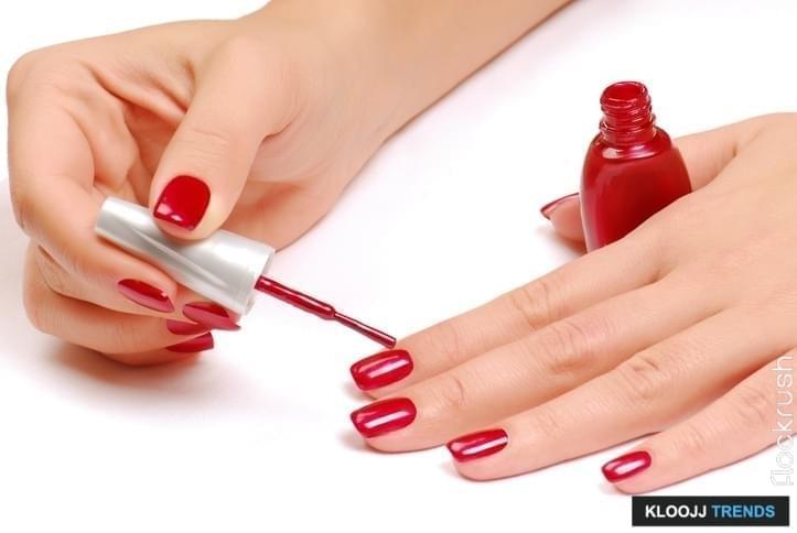 nail polish application